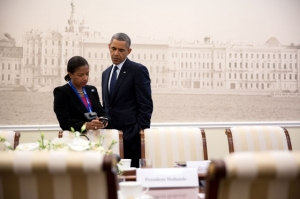 President Barack Obama confers with National Security Advisor Susan E. Rice at Konstantinovsky Palace during the G20 Summit in Saint Petersburg, Russia. September 6, 2013. (Official White House Photo by Pete Souza)