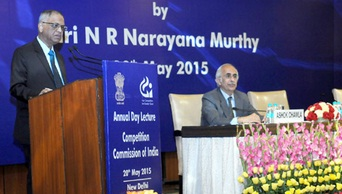 Founder, Infosys Limited, N.R. Narayana Murthy delivering the 6th Annual Lecture on 'Creating a Better India – Musings on Economic Governance Ideas for India', organised by the Competition Commission of India, in New Delhi on May 20, 2015. Chairman, Competition Commission of India, Ashok Chawla is also seen.