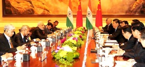 Prime Minister Narendra Modi and President Xi Jinping of People's Republic of China hold delegation level talks at Xi'an, China