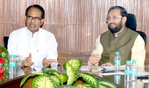 Madhya Pradesh CM Shivraj Singhi Chouhan met Union Minister of State for Environment, Forests and Climate Change Prakash Javadekar in New Delhi on June 4, 2015