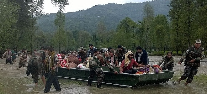Indian army rescuing flood victims in Kashmir in 2014 (representative photo)