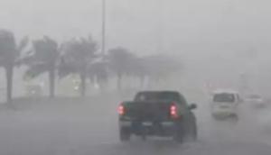 Thunderstorm lashes Dubai