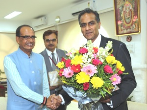 US Ambassador in India Richard Verma met Chief Minister Shivraj singh Chouhan in Bhopal on 25 May, 2016