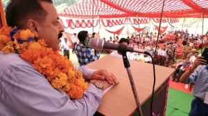 Minister of State for Development of North Eastern Region (I/C), Prime Minister's Office, Personnel, Public Grievances & Pensions, Atomic Energy and Space, Dr. Jitendra Singh addressing a public function at Kathua in Jammu and Kashmir on 2 October 2016.