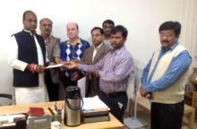 SAPAKS office bearers today met state Minister Vishwas Sarang and presented him a memorandum