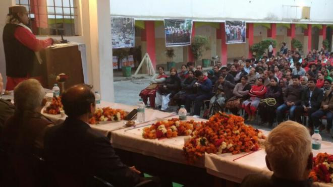 Sant Kripal Singhji Maharaj addressing the SAPAKS Convention at Gwalior
