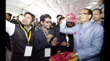 Students taking selfie with Shiveaj Singh Chouhan
