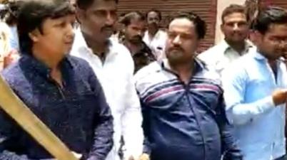 Akash Vijayvargiya assualted a civic officer with a cricket bat