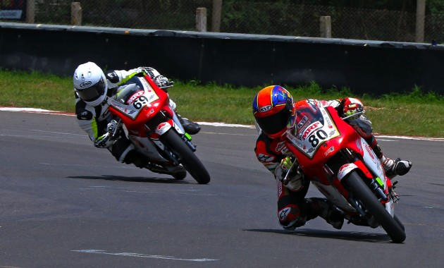 Rajiv Sethu (No.80) en route to winning the Pro-Stock 165cc race (Sept 8)