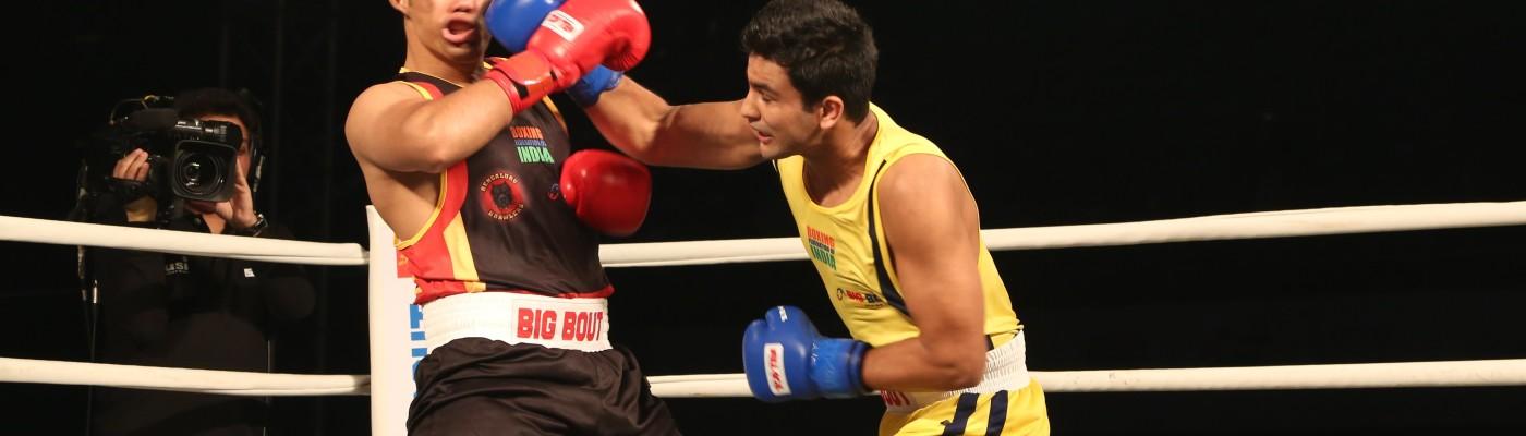 Odisha Warriors' Naman Tanwar (yellow) in action